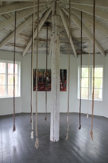 Skogen; Alma Löv Museum 2018. Del av jubileumsutställningen A nowhere girl from a nowhere land.